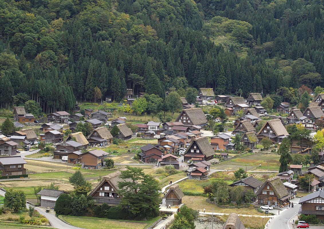 世界遺産・白川郷の合掌造り集落の写真