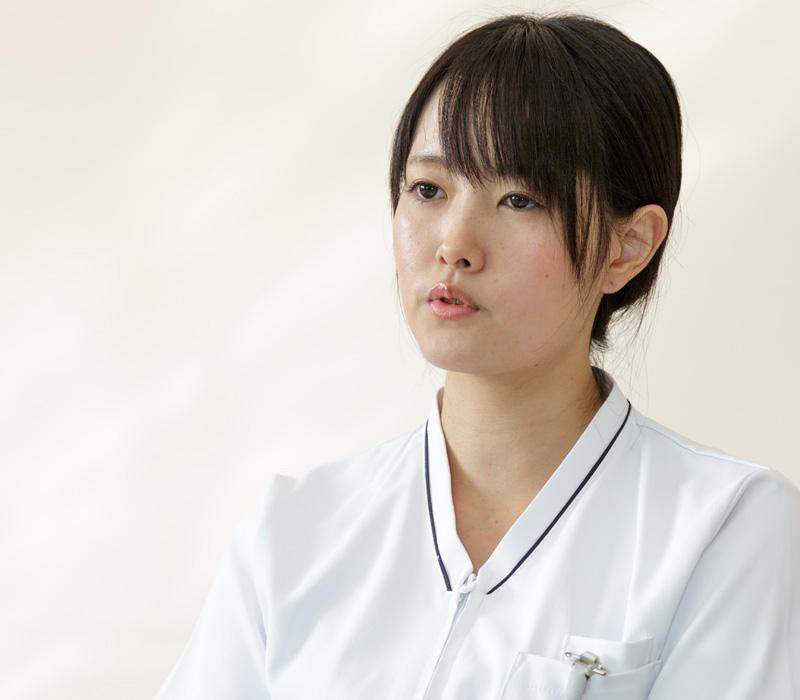 長く勤めることで、科のプロフェッショナルとしてリーダーシップを期待されている遠山さんの写真